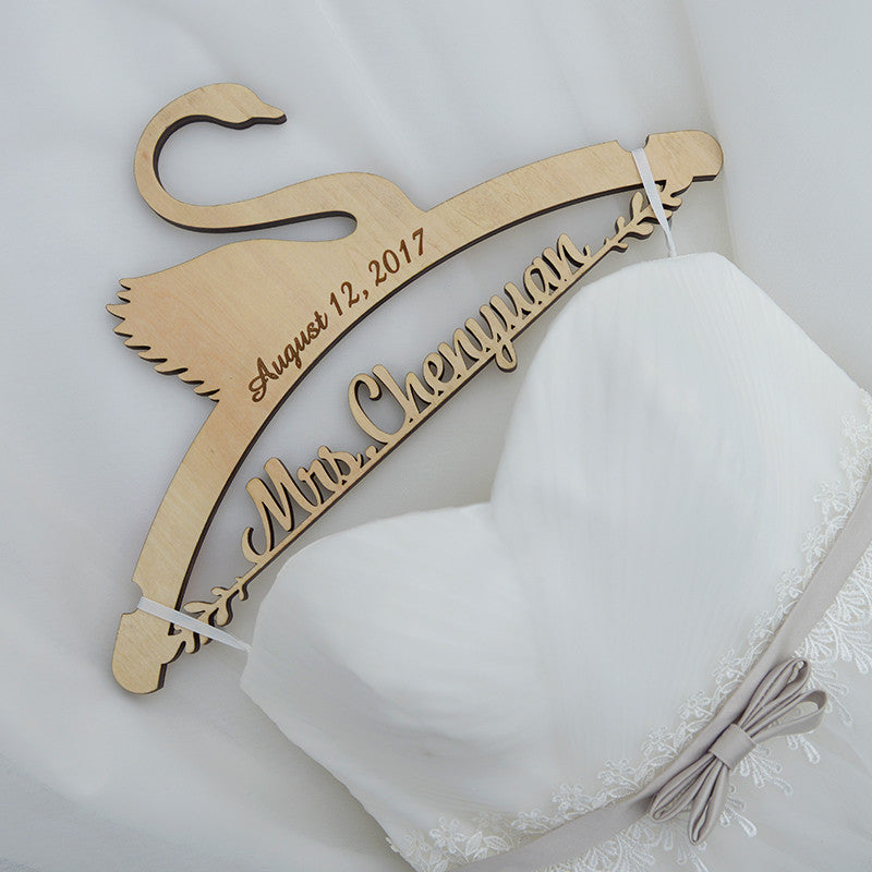 What is a Personalized Wedding Hanger?