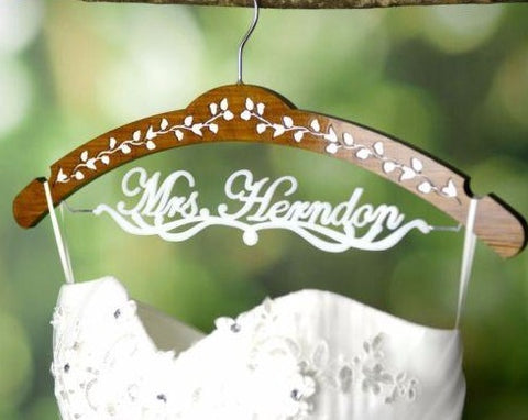 Personalized Wedding Hanger, Custom Wedding Bridal Dress Hanger with Acrylic Name JJ015