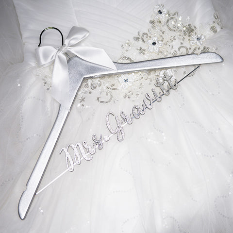 Bride Bridesmaid  Name Wedding Hanger, Custom Wedding Bridal Hanger LL017