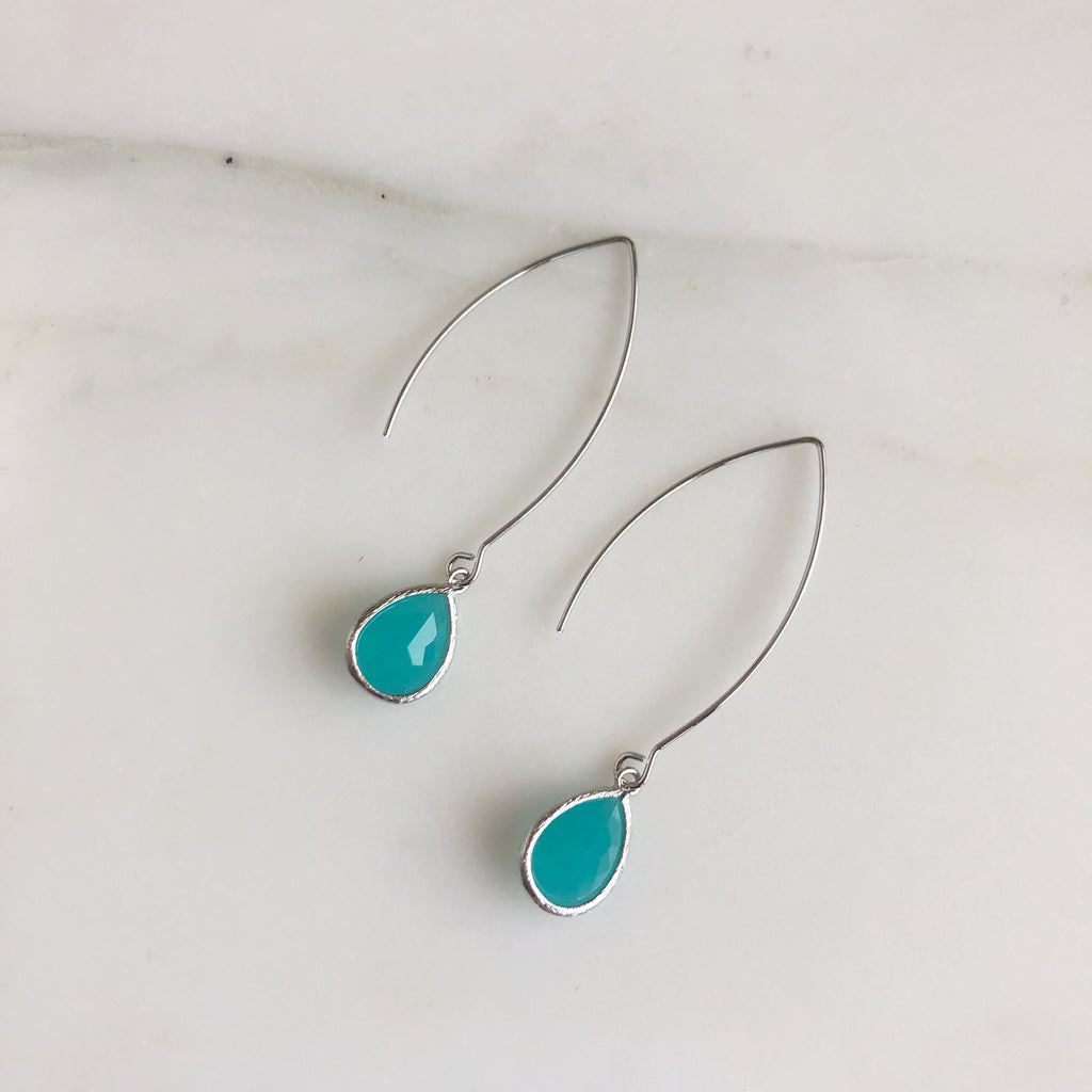 Exquisite Silver Teardrop Earrings in Turquoise Green
