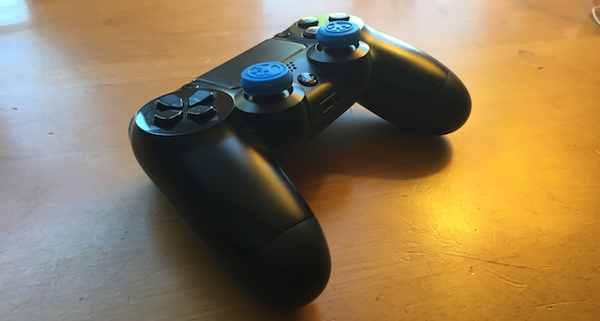 Grip-iT Thumbsticks Covers on DS4 Controller