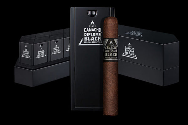 Camacho Diploma Black Special Selection_einzelne Zigarre in der Special Selction Set