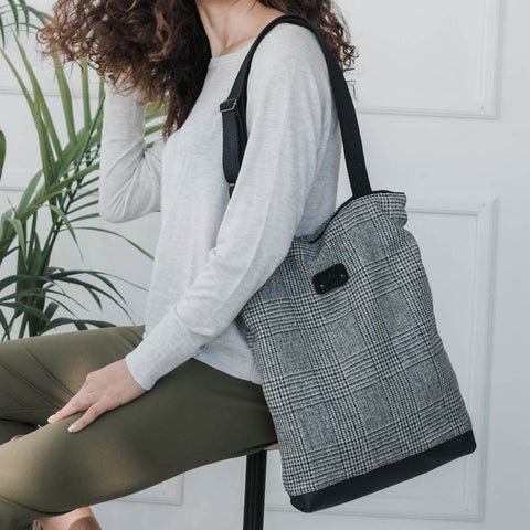 Wool tote bag