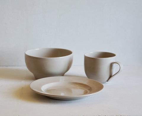 Simple Stoneware Breakfast Set