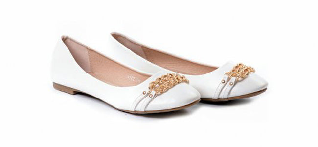 Ballet flat shoes with chains