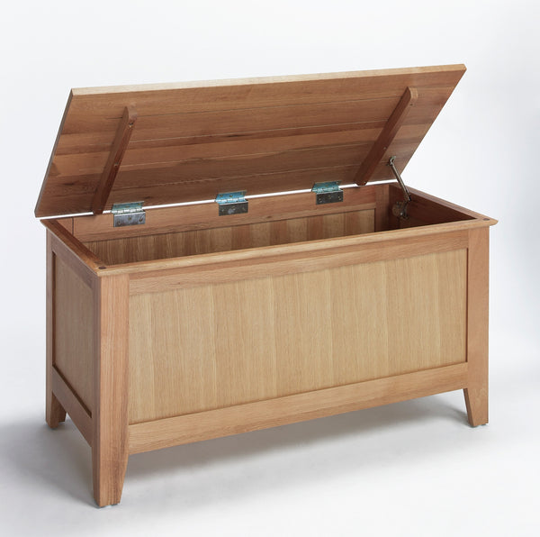 Staplecross - Oak Blanket Box