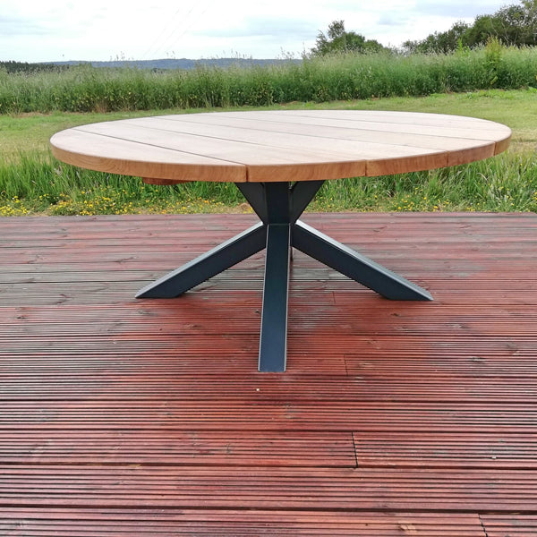 4 K round steel and oak garden table
