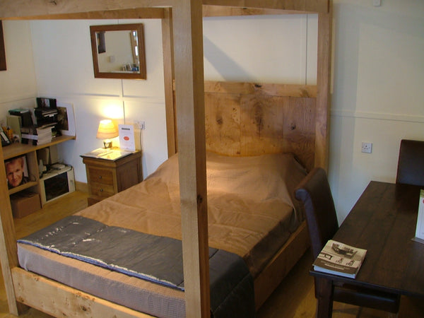 Sussex - Swailes Open Four Poster Oak Bed