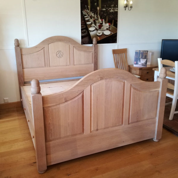 Grand Oak Bed with Storage
