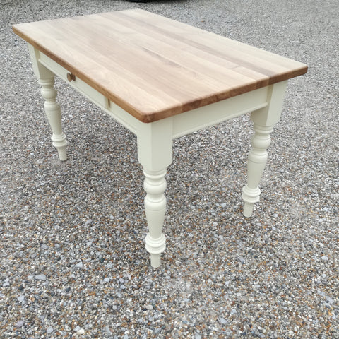 Mottisfont - Turned leg Table