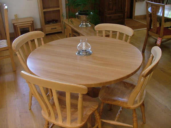 Round Pedestal Oak Dining Table Top View