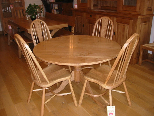 Round Pedestal Oak Dining Table with chair set