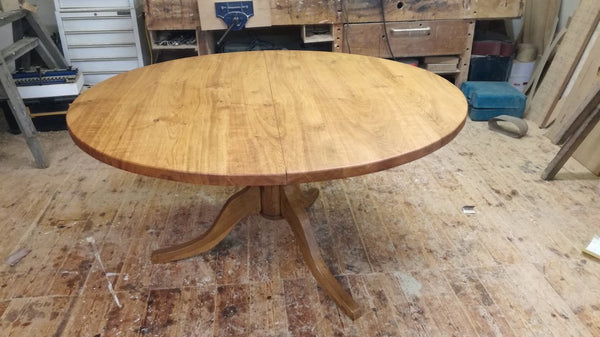 Round Pedestal Oak Dining Table 5 foot top