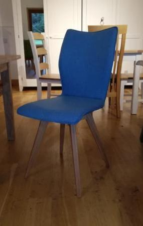 Quadpod chair blue