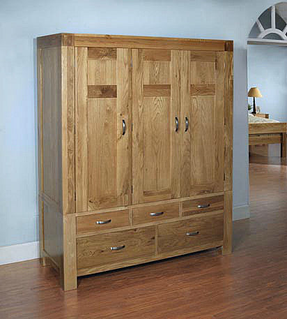 Oak Triple Wardrobe