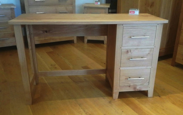 Single Pedestal Oak Dressing Table