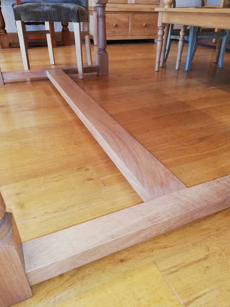 Sussex Fine Oak refectory Table base