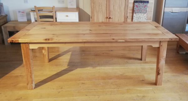 Sussex - English Farmhouse Oak Dining Table