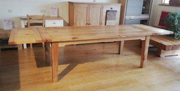 Sussex - English Oak Heavy Extending Farmhouse Dining Table
