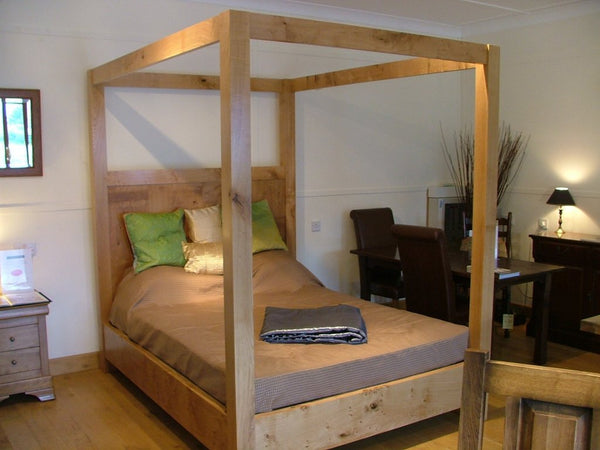 Swailes Open Four Poster Oak Bed End view