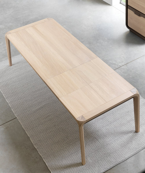 Ettiene - Oak Dining Table