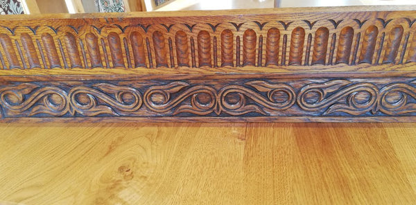 Table rail Carvings