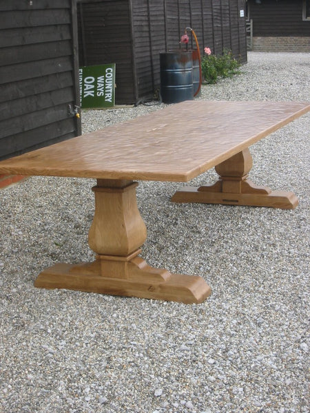 Twin Baluster Oak Table Outdoor