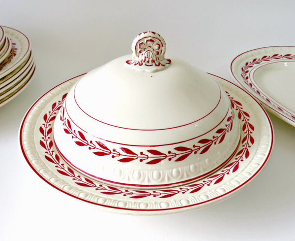 Laurel Red Copeland Spode covered dish