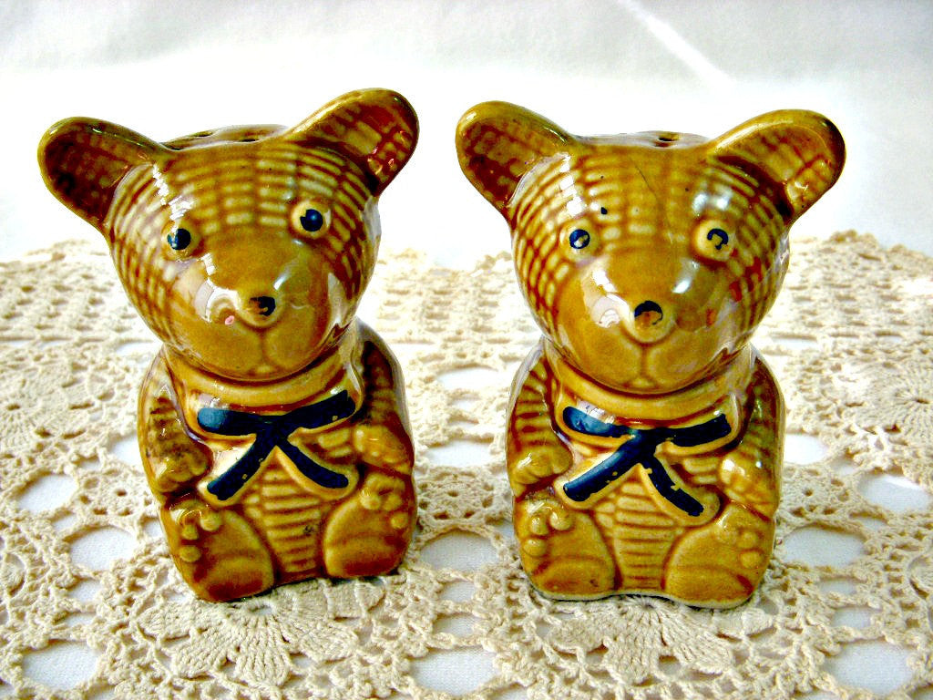 teddy bear salt & pepper shakers