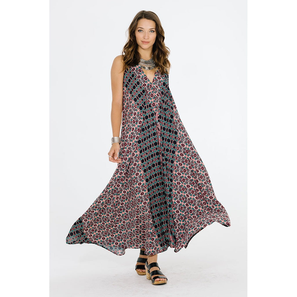 ELECTRIC NIGHTS MAXI