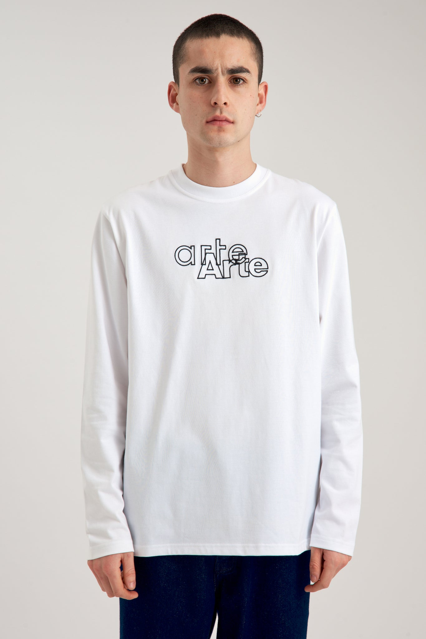 Larry Outline Longsleeve - Arte Antwerp