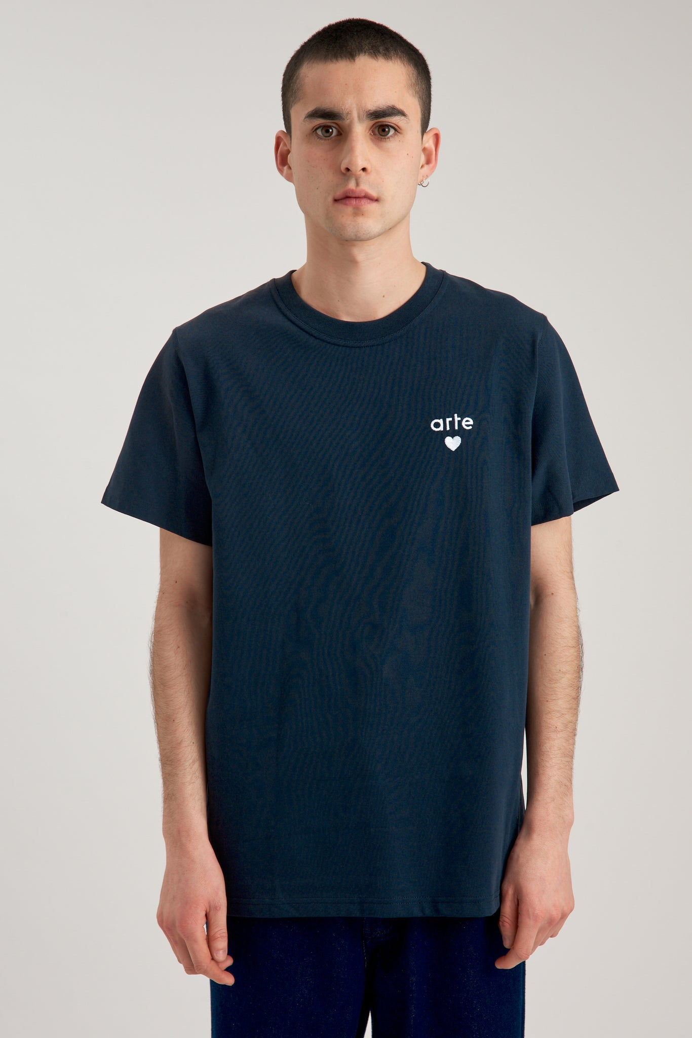 Thomas Heart Navy T-shirt - Arte Antwerp