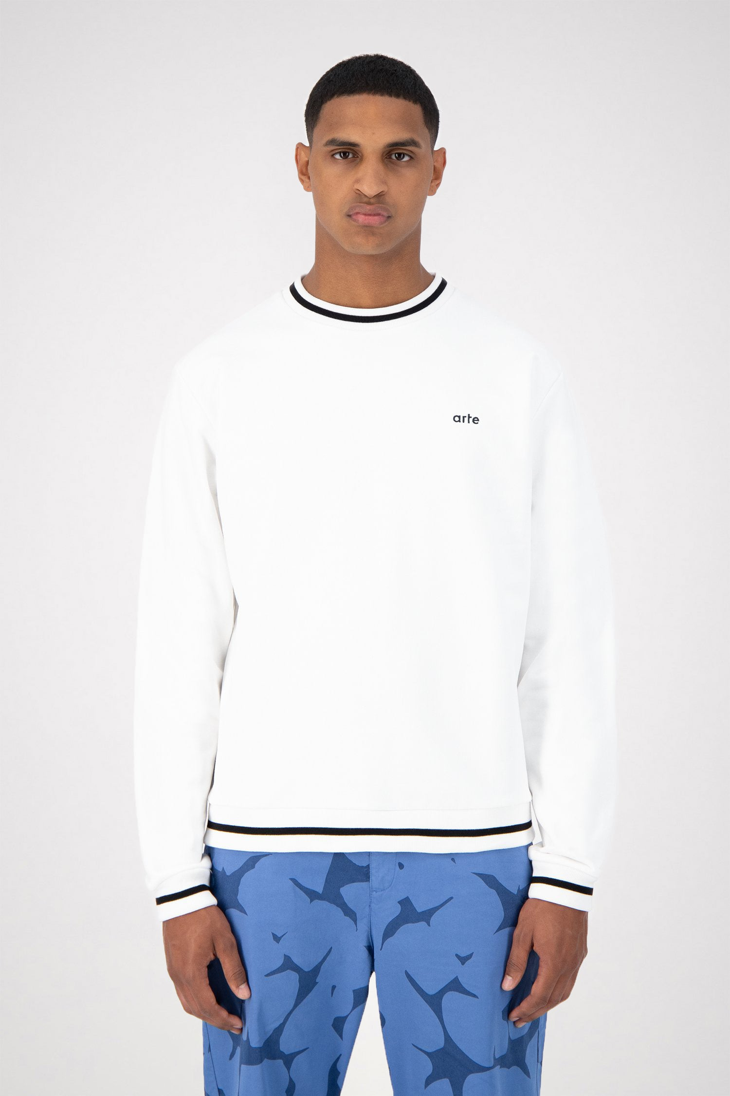 Colson Collar Sweater - White/Black