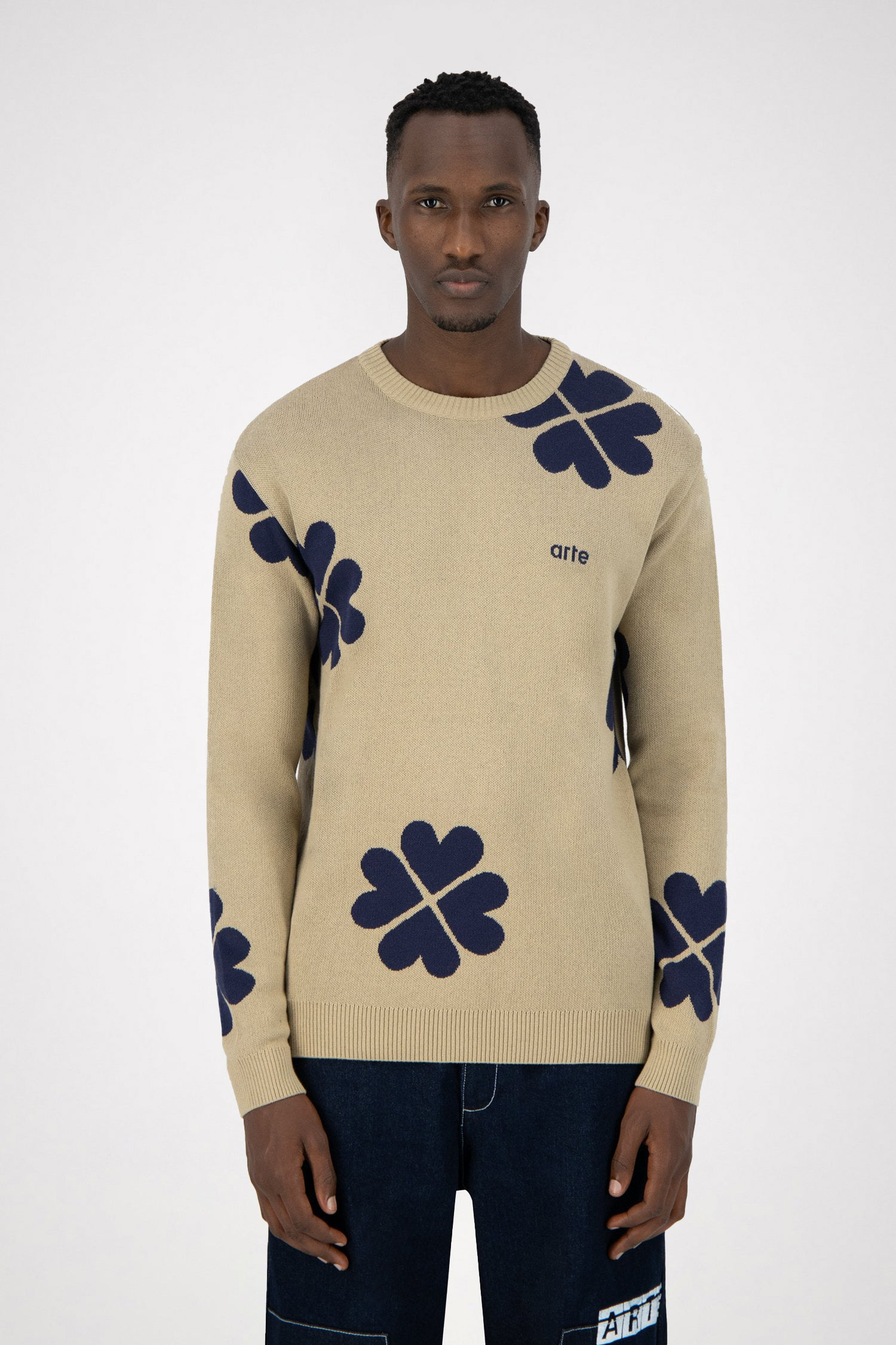 Karson Trevo Knitted Sweater - Creme/Navy