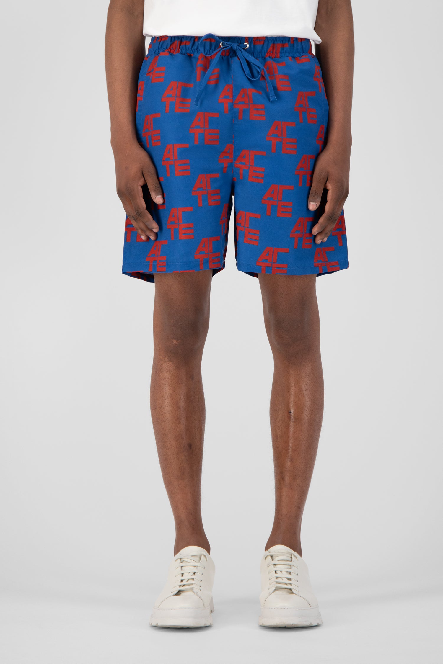 Stan Shorts - Red/Navy