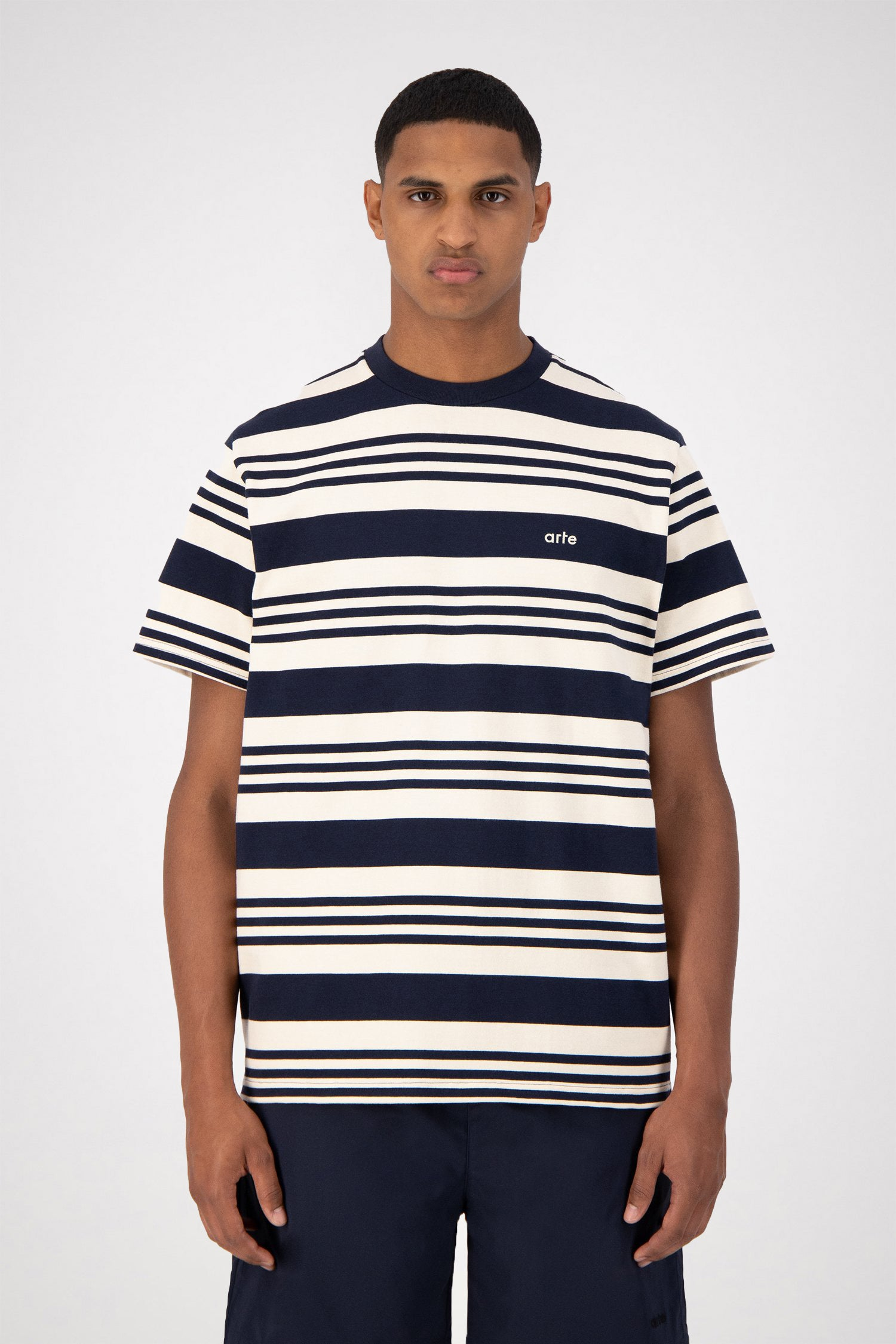 Tomi Stripes T-shirt - Navy/Creme