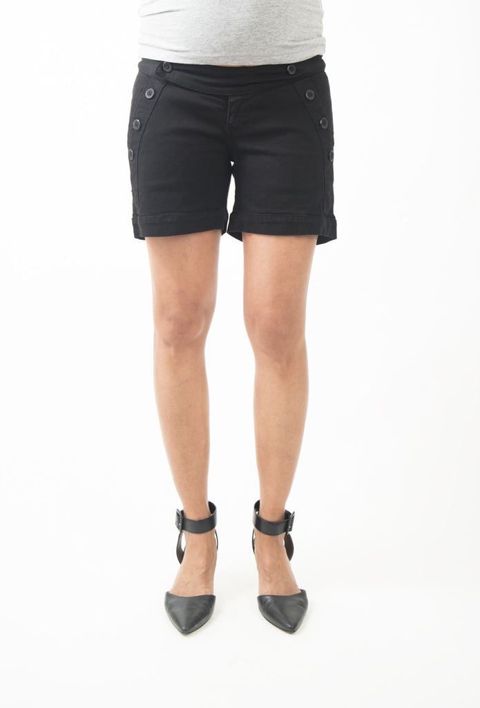 Olian Twill Shorts in Black