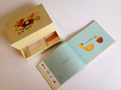 Chronicle Books Deluxe Baby Book & Memory Box