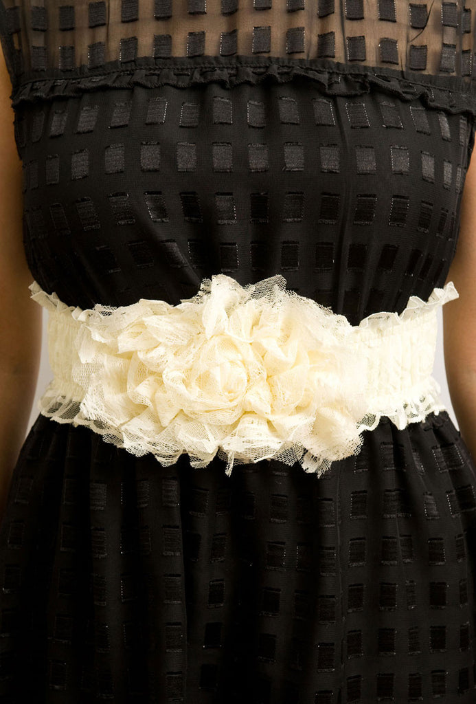 Shades of Lace Waist Belt