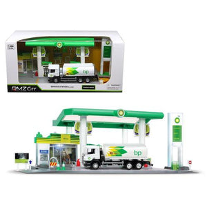 "Scania P-Series ""BP"" Tanker Truck White and ""BP"" Service Gas Station Diorama 1/64 Diecast Model by RMZ City"