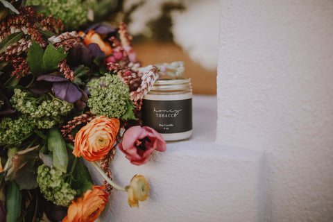 Honey Tobacco candle with Powell Floral Design