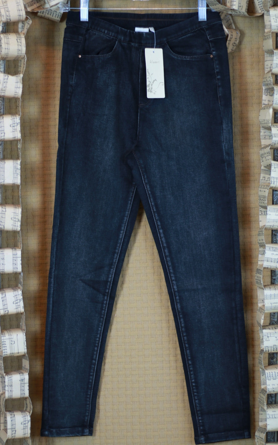 N8001 Pant - Ankle Pencil Jean