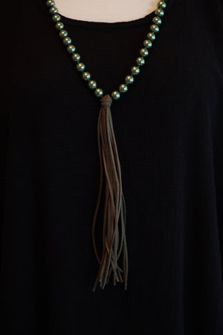RC004 Necklace - Pearl Tassle