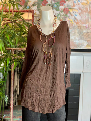 20422 Crinkle Basic Top-Brown