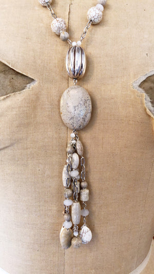 A39 Necklace - Agate Howlite