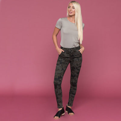 Camo Cargo Skinny by Kan Can