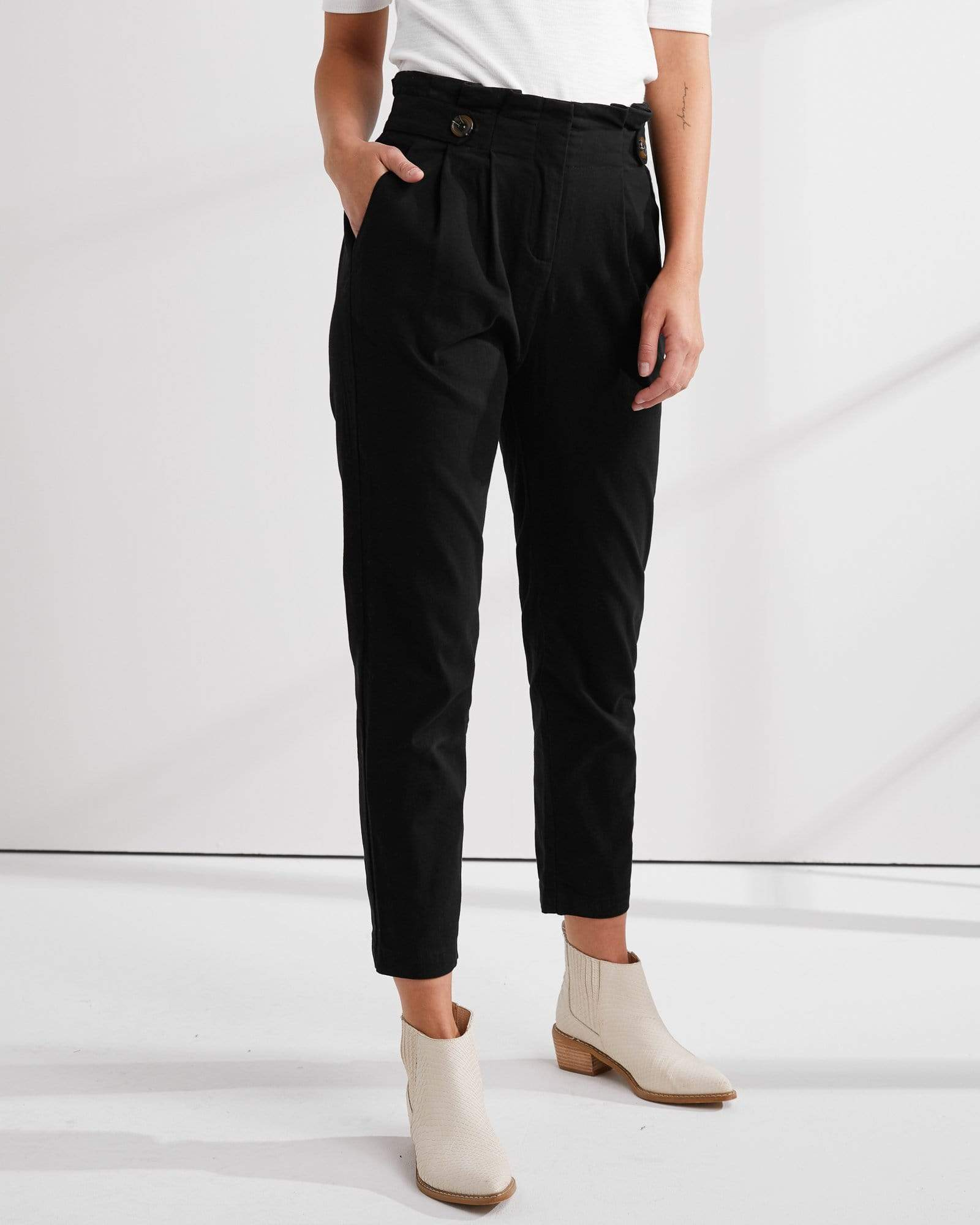 Button Tab Pant