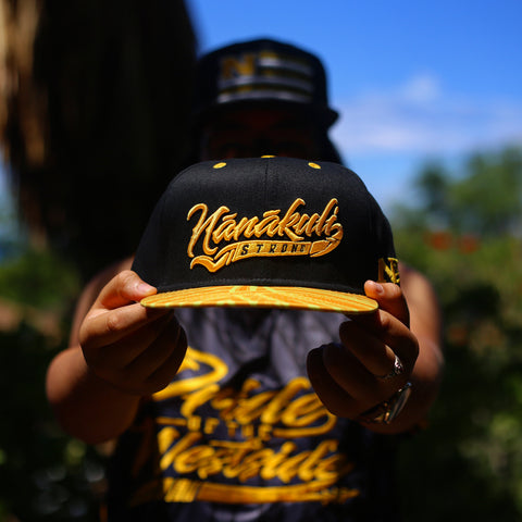"1.5 NĀNĀKULI STRONG ""GOLDEN YELLOW on BACK"" Snapback"