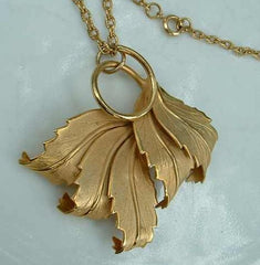 Unusual Leaf Pendant Necklace Dimensional Vintage Floral Jewelry