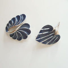 Two Modernist Blue Enameled Brooches Cala Lily Vintage Floral Jewelry